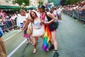 Gal-gay-pride20-jpg[1]